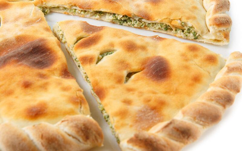 Пирог «Лосось-крем-чиз со шпинатом»