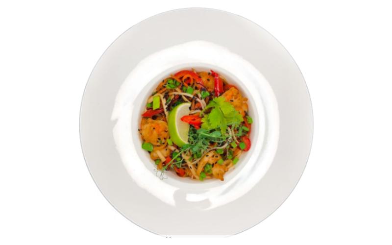 Лапша WOK с креветками в сладком соусе Чили
