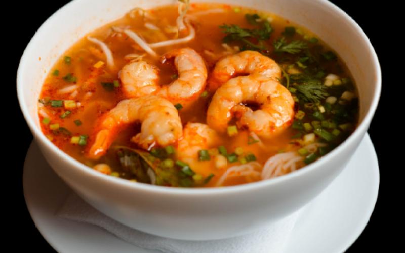 Суп «Бун Том»