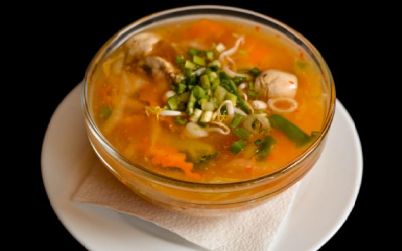 Кисло-острый суп с курицей