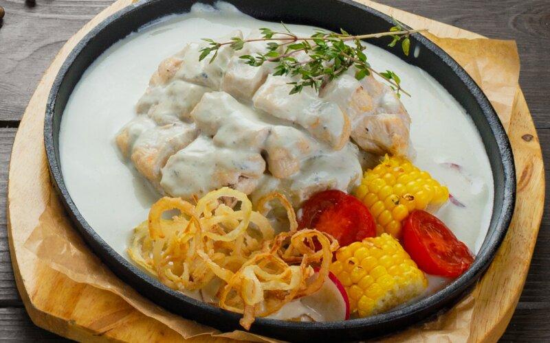 Филе куриное с соусом «Дор-блю»