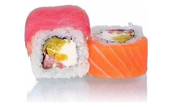 Ролл «Тунец» с лососем и такуаном