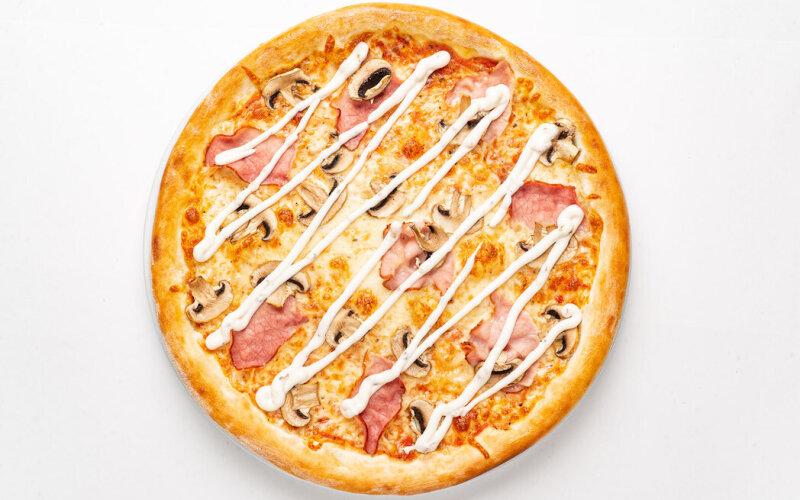 Пицца «Ветчина-грибы» с грибным соусом