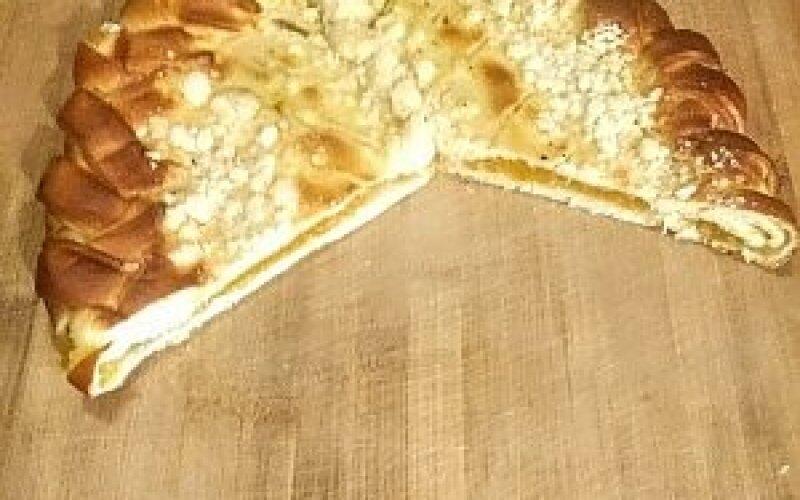 Пирог  «Осетинский» с яблоком и вишней