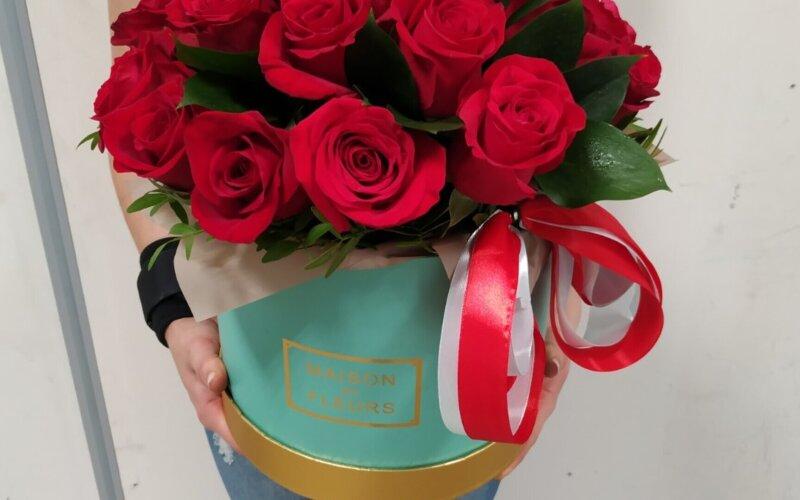 Коробка с розами «Классика 21»