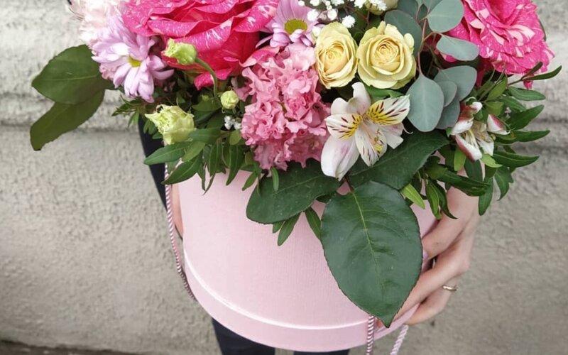 Коробка с цветами «Позитив»