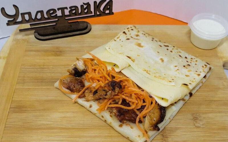 Блин с курицей и морковью «По-корейски»