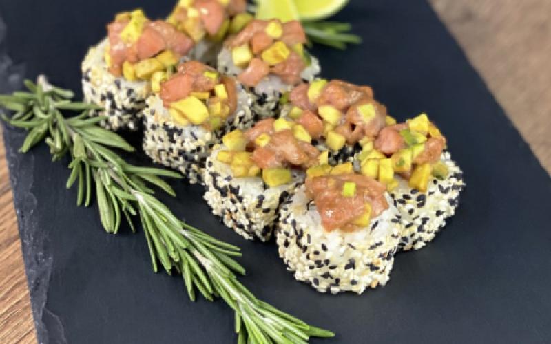 Ролл «Гриль» с тунцом и авокадо