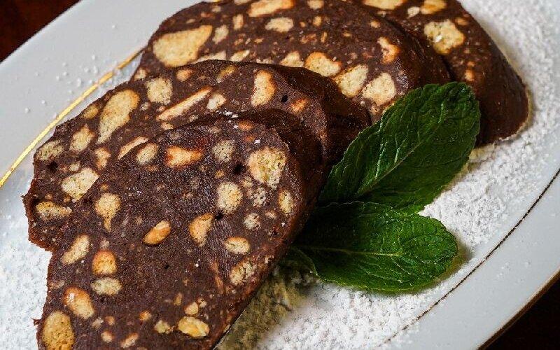 Шоколадная колбаса с фундуком