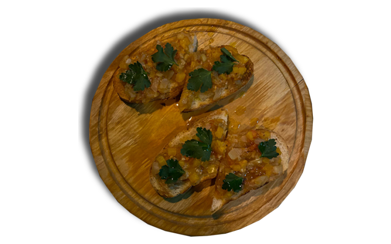 Брускетта с сырокопчёным мясом
