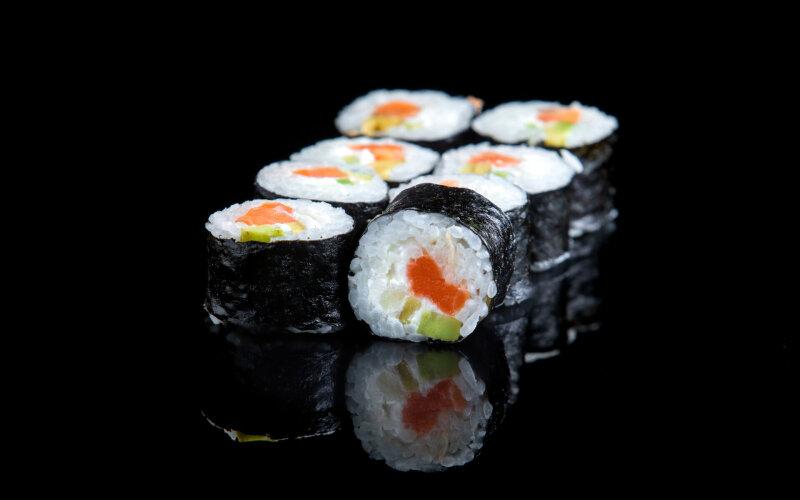 Ролл «Сяке маки с лососем»