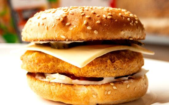 Чикен-чизбургер