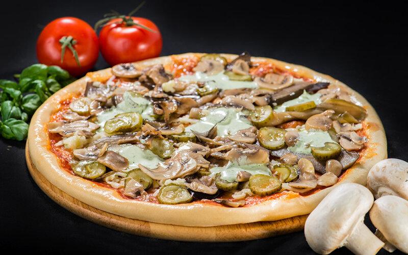Пицца на толстом тесте «Парма»