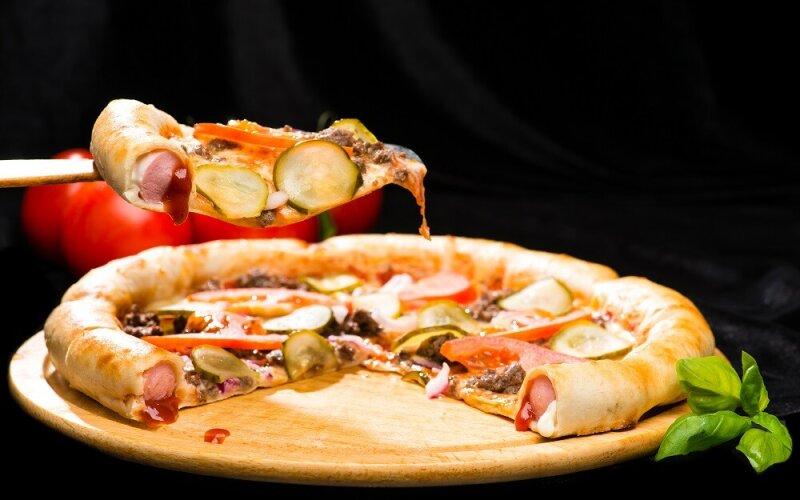 Пицца на толстом тесте «Хот-дог»