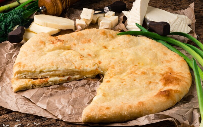 Осетинский пирог «Три сыра»