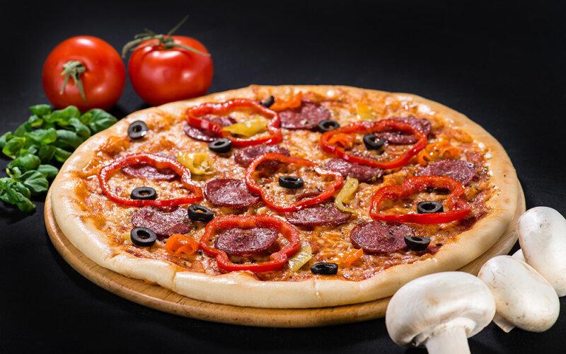 Пицца «Салями»