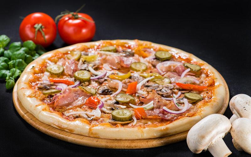 Пицца на толстом тесте «Деревенская»