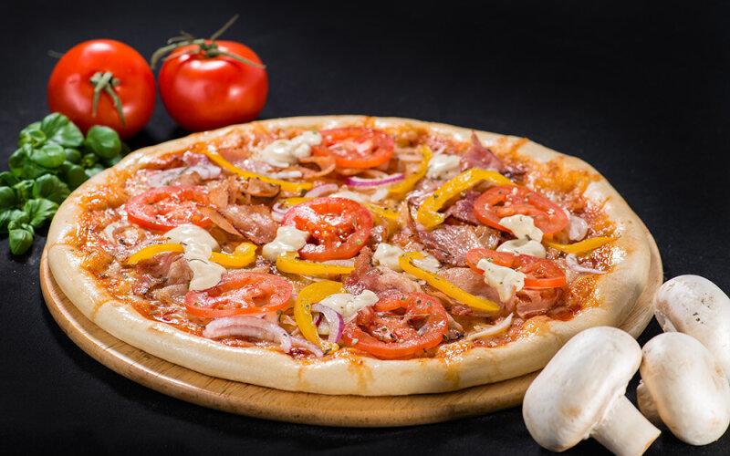 Пицца на толстом тесте «Де Люкс»