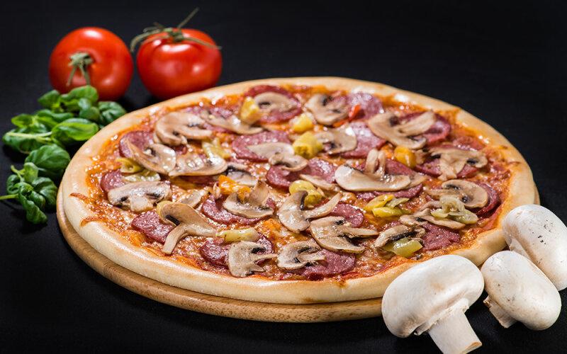 Пицца на толстом тесте «Хот пеппер»