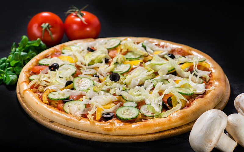 Пицца на толстом тесте «Греческая»