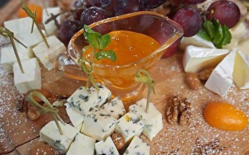Сырный «Этикет»