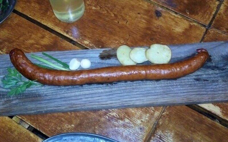 Блюдо «Полметра колбасы»