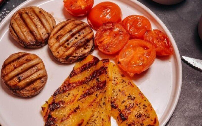 Запечённые овощи с шампиньонами