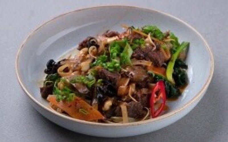 Лапша с говядиной и грибами