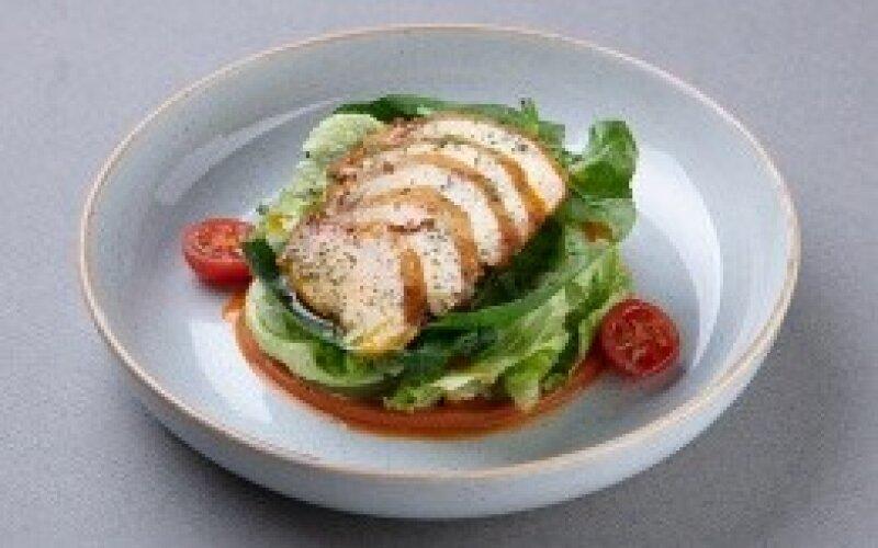 Салат с куриной грудкой в соусе «Геви»