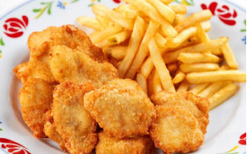 Наггетсы куриные с картофелем фри