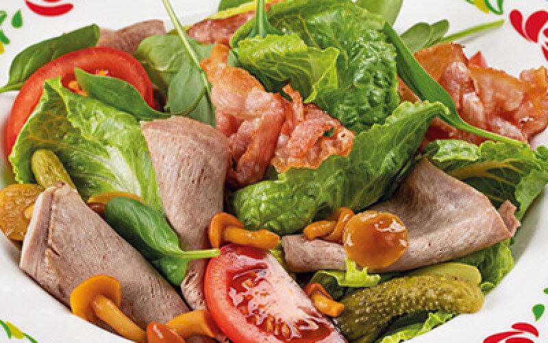 Салат с языком и опятами