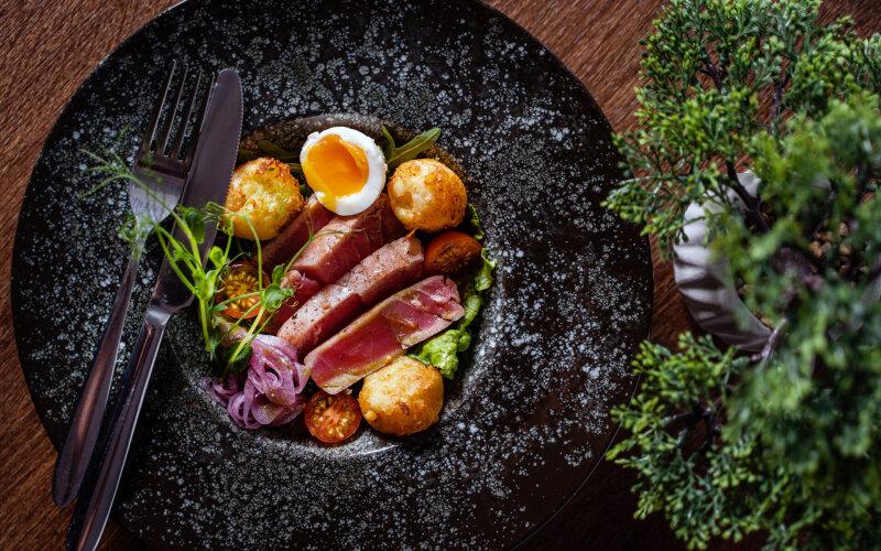 Салат с тунцом и овощами «TUNA»
