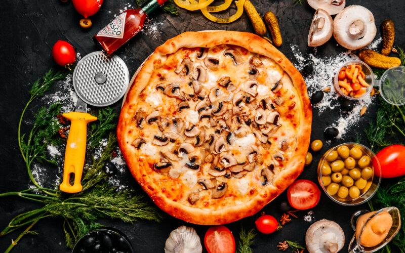Пицца «Грибная» с сырным бортом