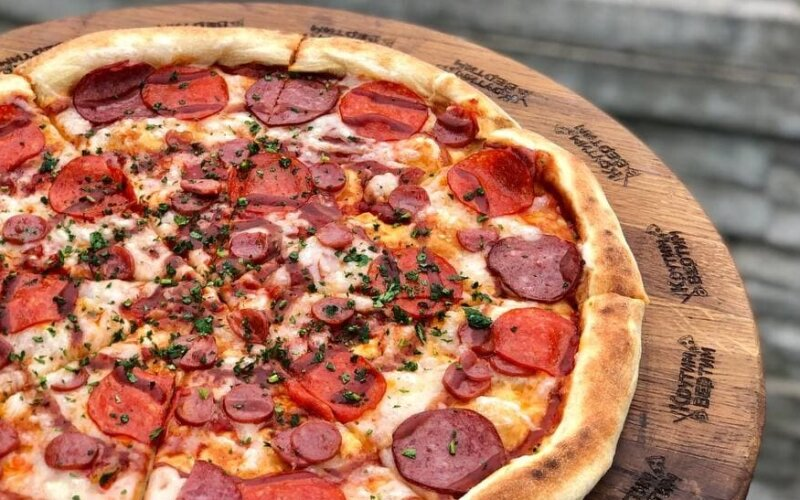 Пицца «Салями барбекю»