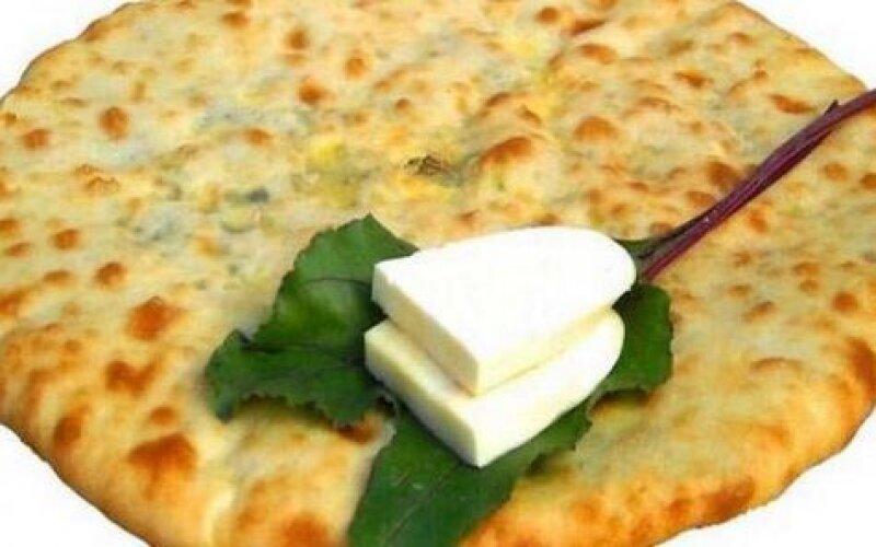 Пирог с молодой свёклой и сыром