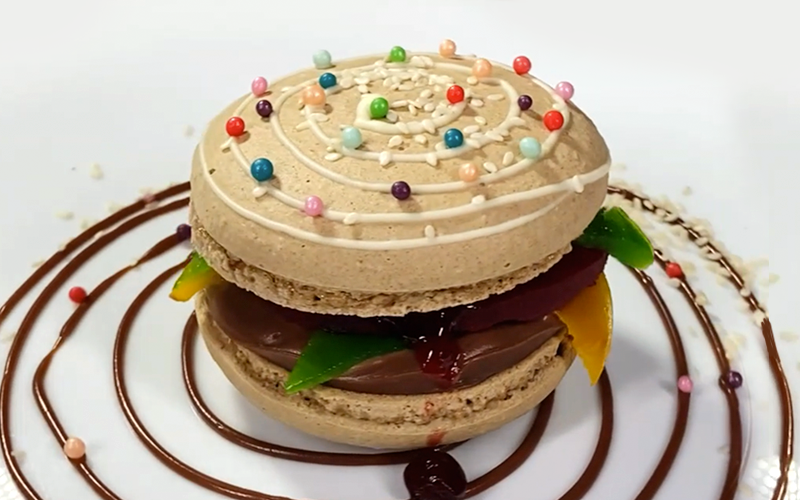 Пирожное «Макарон-бургер»