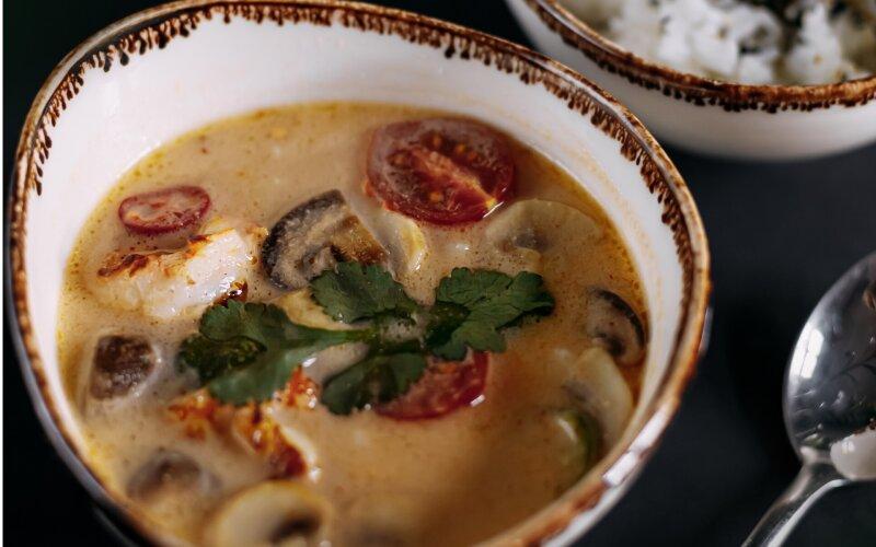 Суп «Том кха» с креветками
