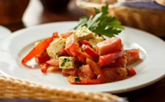 Салат с сыром «Брынза»