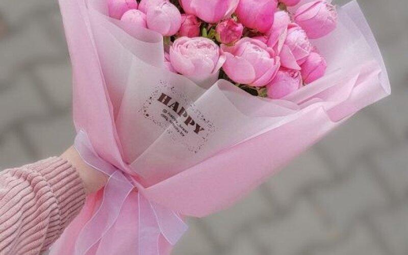 Моно букет из пионовидных роз №145
