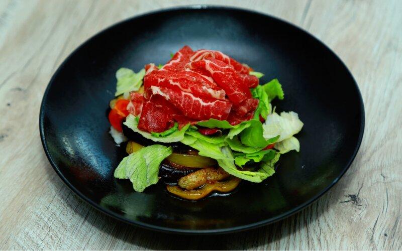 Салат из говядины и баклажанов