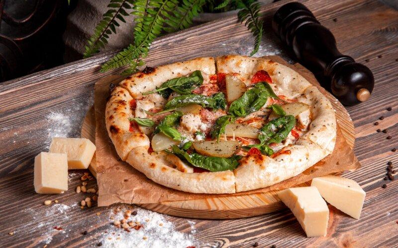 Шеф-пицца с запечёным картофелем