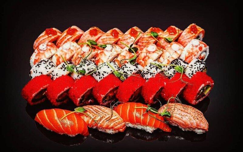 Суши-сет «Япония» + 4 нигири
