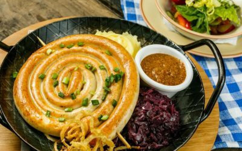 Венская куриная колбаска