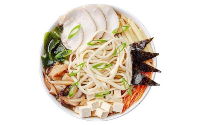 Суп «Рамэн» с цыплёнком, маринованным бамбуком и грибами шиитаке