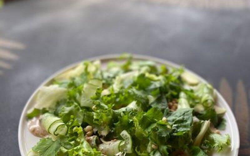 Зелёный салат с авокадо Спящий Амур