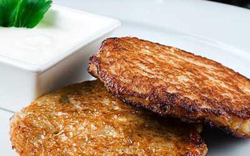 Оладьи картофельные, фаршированные мясом