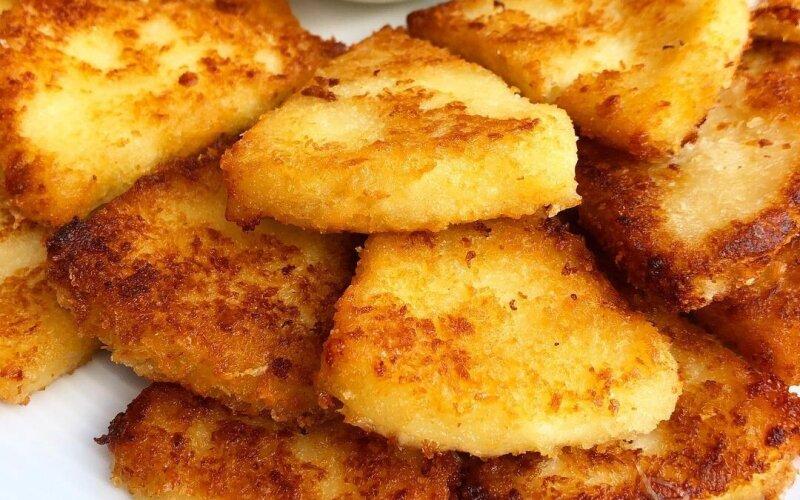 Сыр «Сулугуни» жареный с клюквенным соусом