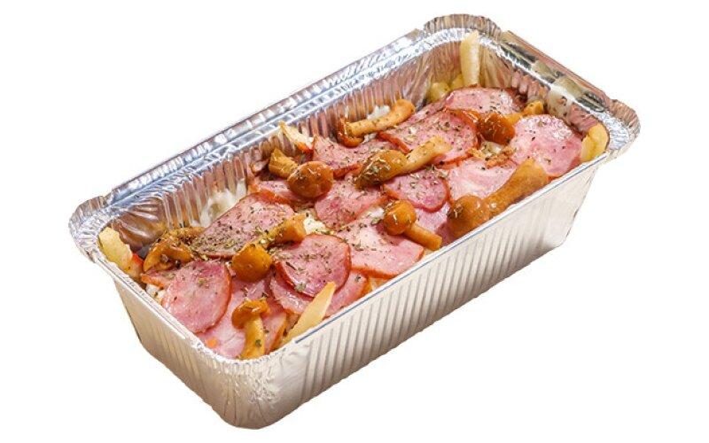 Cheesy фри с колбасками и грибами