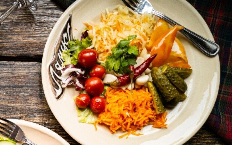 Маринованная закуска «Хатняя»