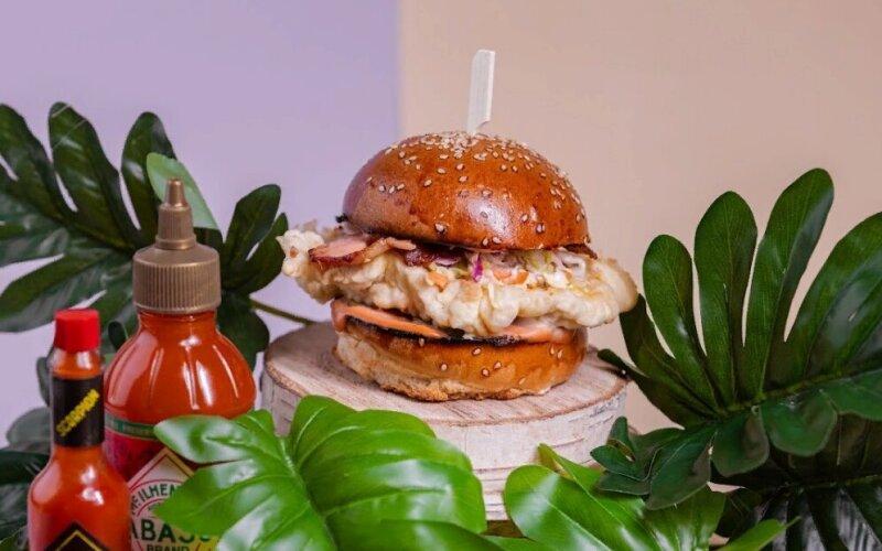 Бургер «Коул слоу» с курицей